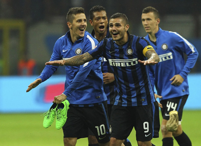 during the Serie A match between FC Internazionale Milano and AC Milan at Stadio Giuseppe Meazza on September 13, 2015 in Milan, Italy.